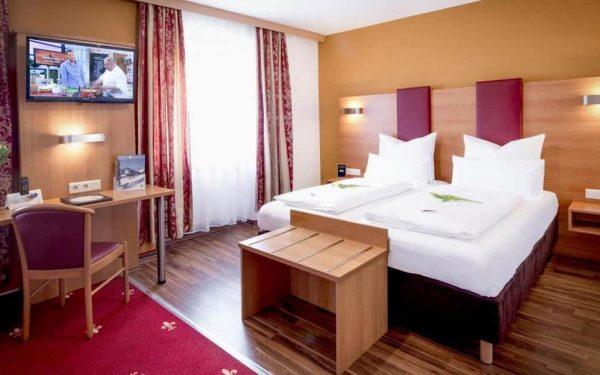 TIPTOP HOTEL BURGSCHMIET